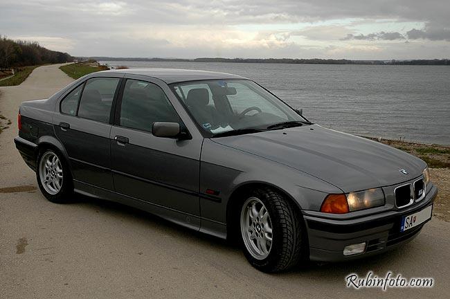 BMW_320i.jpg